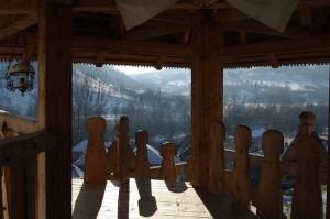 O raza de lumina la manastire