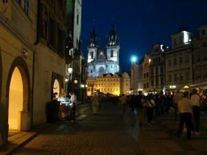 Praga - Piata Veche frumos luminata noaptea