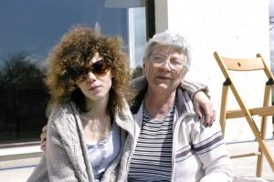 Mama Lela impreuna cu sora mea, Evelina