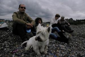 Impreuna cu familia, pe plaja in Franta