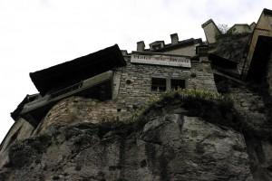 Case construite in piatra cu piatra