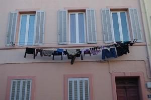 Marsilia - Si la ei se usuca rufele tot asa