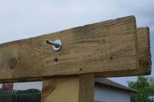 Detaliu cu modul de prindere al lemnelor