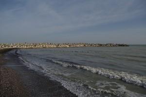 Plaja din Faleza Nord, in luna ianuarie (acum mai multi ani)