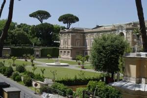 Una dintre gradinile de la Vatican