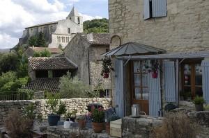 Colt de terasa asa cum intalnesti in Provence la tot pasul