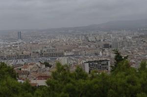 Marsilia vazuta de sus, de la biserica