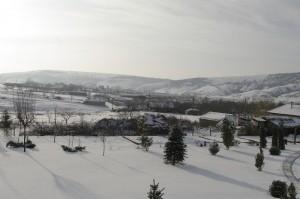 Satul si dealurile privite de la balcon