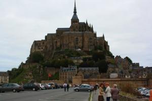 Mont St. Michel - contructia manastirii a durat peste 100 de ani