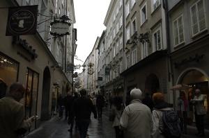 Staduta asa cum intalnesti peste tot in Salzburg