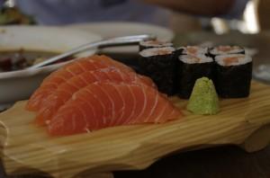 Sashimi si sushi-roll