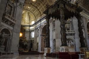 San Pietro si baldachinul din bronz al lui Bernini