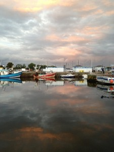 Port de pescari la asfintit