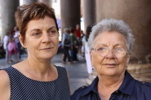 Mama si bunica, tot la Pantheon