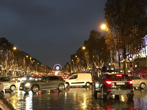 Paris - Champ Elysee - luminite