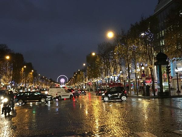 Paris - Champ Elysee - ploaie