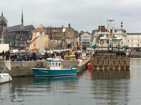 Honfleur, aici locul unde trag barcile de pescari